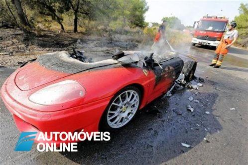 Ferrari 360 Modena de Banega incendiou
