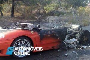 Ferrari 360 Modena incendiou frente esquerda