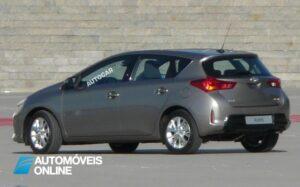 novo Toyota Auris 2013