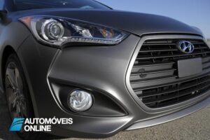 2013 Hyundai Veloster Turbo Driving view frente direita avançada