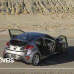 2013 Hyundai Veloster Turbo Driving view traseira portas abertas