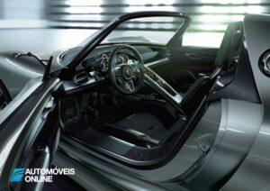 New 2013 Porsche 918 Spyder Interior tres quartos traseira esquerda