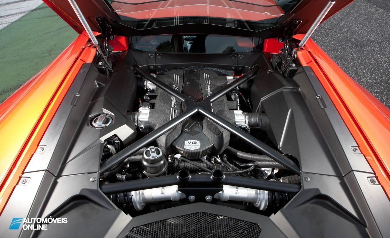Novidades no Lamborghini Aventador 2013