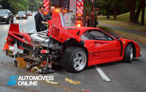 Ferrari F40! Acidente deixa F40 destruído