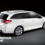 New Break Toyota Auris Touring Sports 2013 right profile view