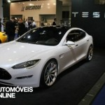 New Tesla model s-sedan front left View electricar