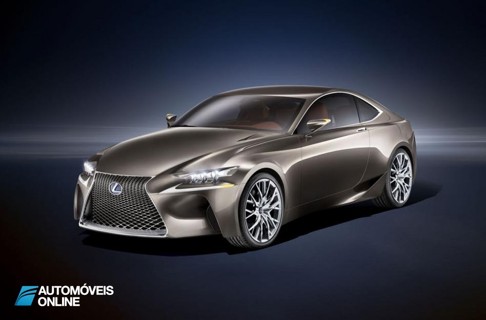 Estreia Mundial! Lexus apresenta novo IS