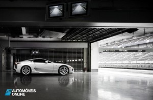 Lexus o LFA Nurburgring Package garage view