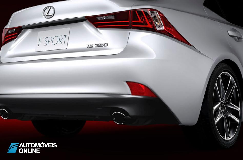 New Lexus IS 2013 Right Corner Rear View