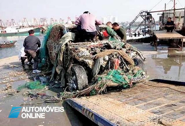 Pescaria Invulgar! Chineses pescam um Porsche Cayenne