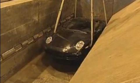 Como é que se tem coragem para levar um Porsche 911 prensa