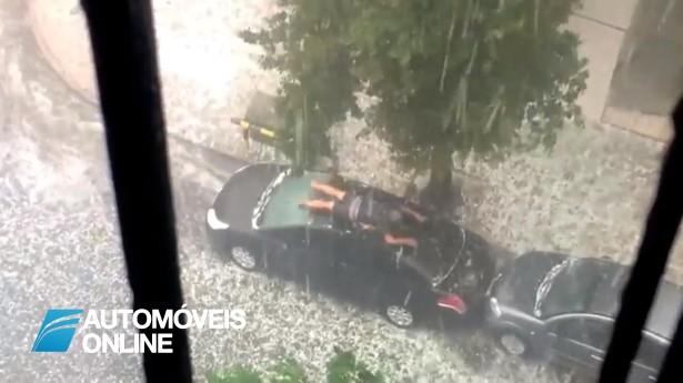 Isto é mesmo AMOR! Homem defende com o seu corpo o seu carro