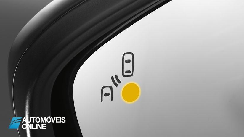 Tecnologia nos Automóveis, quais são e para que servem? Sensor de Ângulo Morto
