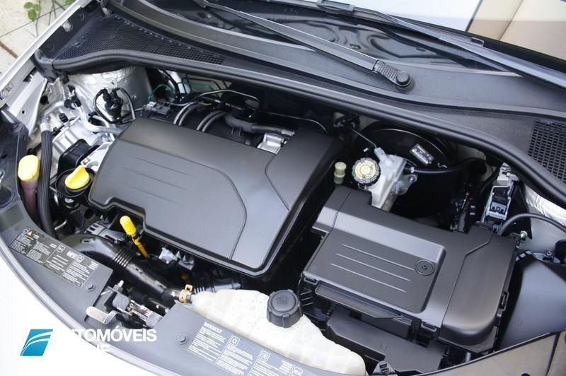 Dicas para valorizar o seu carro usado VI – Lavar o Motor