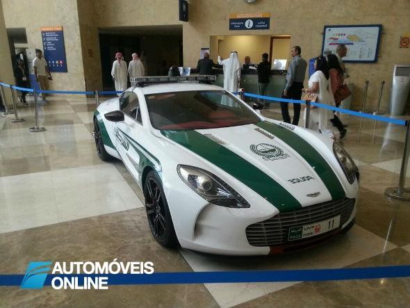 Aston_Martin_77-One_Police_Dubai