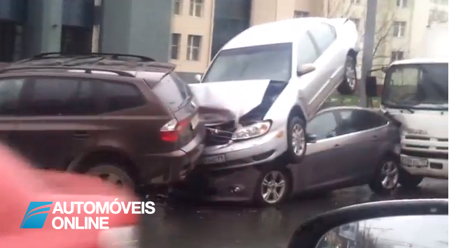 Será que consegue explicar este acidente?