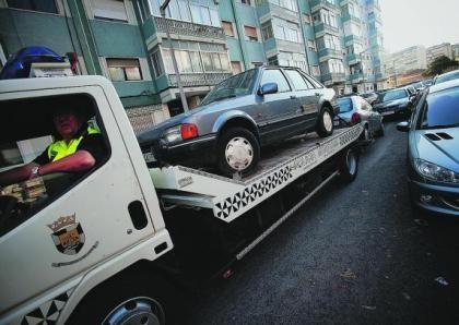 O seu carro foi rebocado e o processo de contra-ordenarão prescreveu? Saiba como recuperar o valor pago ao reboque.