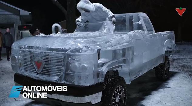 Espectacular vídeo! Como fazer uma carrinha em gelo
