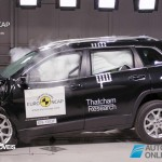 EuroNCAP 2013 Crash teste cherokee front crash view