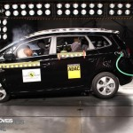 EuroNCAP 2013 Crashteste Kia Carens profile view