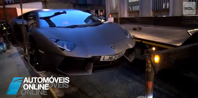 Vídeo - Ui! Não é assim que se reboca uma automóvel muito menos um Lamborghini Aventador