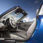 new Porsche 911 Targa 2015 bleu open door view