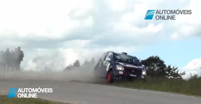Impressionante! Vídeo mostra acidente arrepiante em rali que milagrosamente não teve feridos