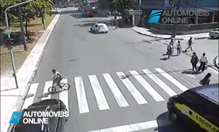 Ciclistas e peões não respeitam o Código de Estrada e depois acontecem situações gravíssimas