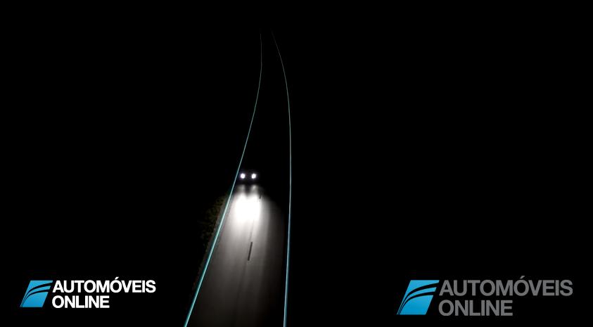 Auto-estrada com marcas rodoviárias que brilham no escuro sem gastos energéticos