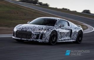 Novo Audi R8 camuflado em testes