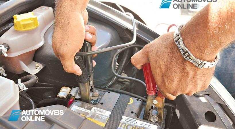 Como encostar uma bateria de um carro