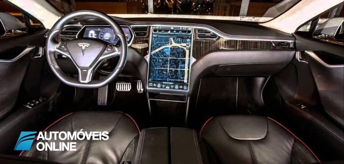 Tesla. O sistema Summon