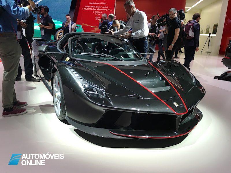 Salão Automóvel de Paris Ferrari