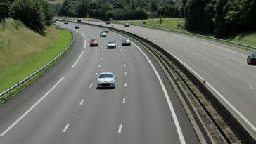 Conduzir na Fila do Meio dá Multa até 300€