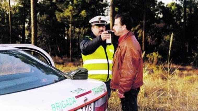 Condutor alcoolizado reincidente vê pena de prisão anulada pelo Tribunal da Relação do Porto