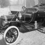 FORD MODEL T (1908) foi o primeiro modelo a ser construído em série