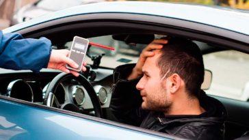 Homem detido a conduzir sem seguro e com 4,09g/l de álcool