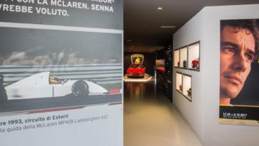 Lamborghini premeia carreira de Ayrton Senna com exposição