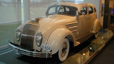 Os carros que marcaram a historia do mundo automovel_ CHRYSLER AIRFLOW (1934)