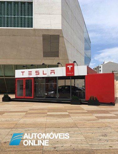 Tesla. Primeira loja no Porto