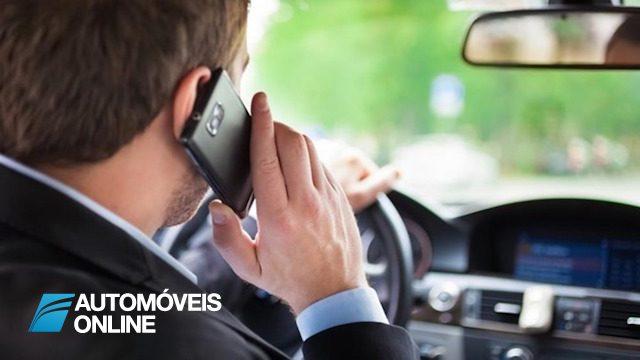 Tribunal absolve condutor multado por estar ao telemóvel