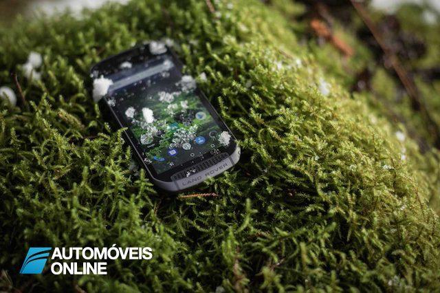 O telemóvel da Land Rover é tão resistente como os seus 4x4