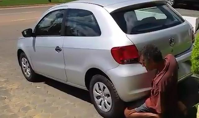 Insólito. Homem preso por tentar relações com um carro