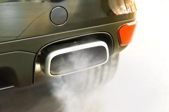 Mercedes com motores ilegais faz recall de 774 mil automóveis