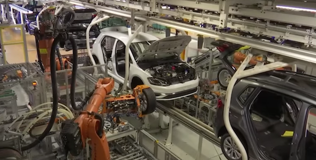 CE investiga Gigantes alemãs da indústria automóvel