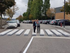 Passadeiras 3D fazem condutores abrandar