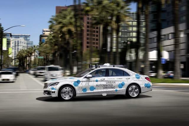 Táxi autónomo. Bosch, Daimler, San José