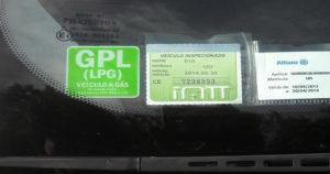 Sabe quais são os selos que são obrigatórios no pára-brisas do seu carro?