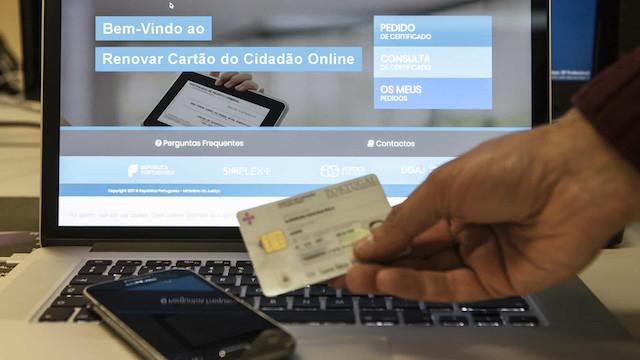 Cartão de Cidadão e carta de condução com renovação online