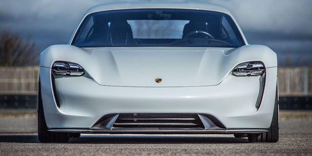 Porsche Taycan é o novo desportivo 100% eléctrico